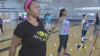 Volunteers rock and roll to keep more women healthy