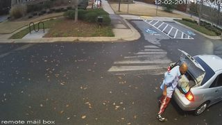 Man accused of stealing packages, forging checks in Gwinnett County