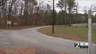 Neighbors frustrated over speeding drivers near historic landmarks