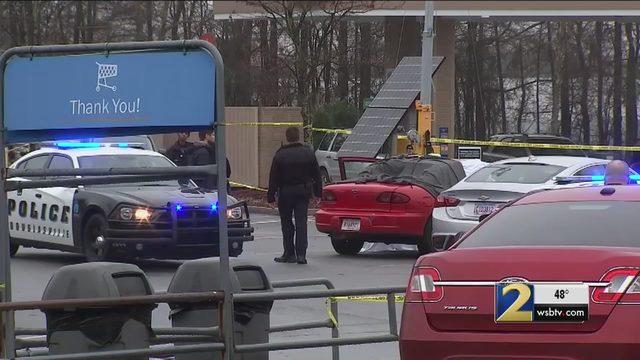 1 killed in shooting in Walmart parking lot