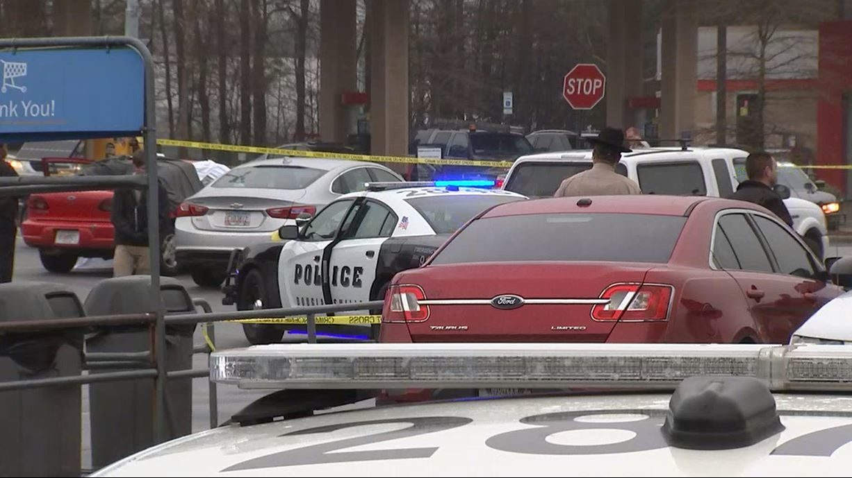 1 killed in shooting in Walmart parking lot | WSB-TV