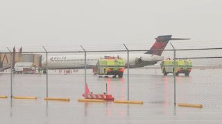 Flight headed to Atlanta hit by lightning, forced to make emergency landing