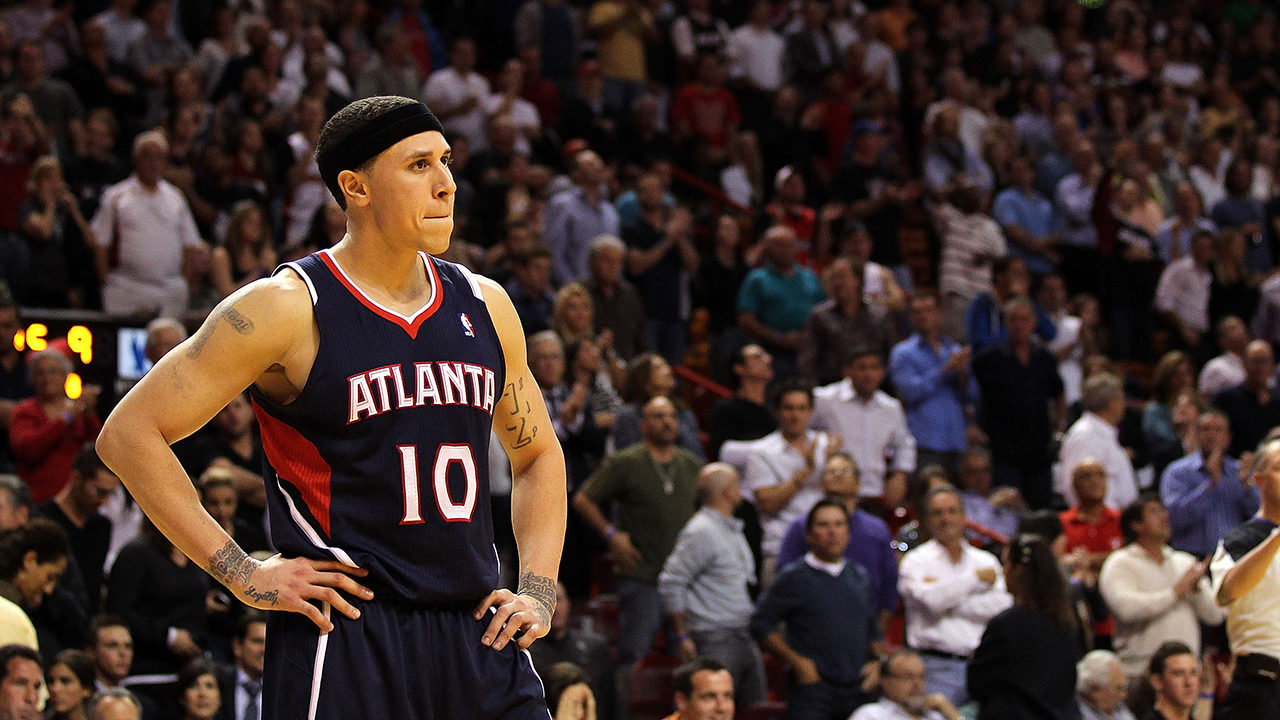 448eec9e5 MIKE BIBBY INVESTIGATION  Former Hawks player Mike Bibby accused of ...