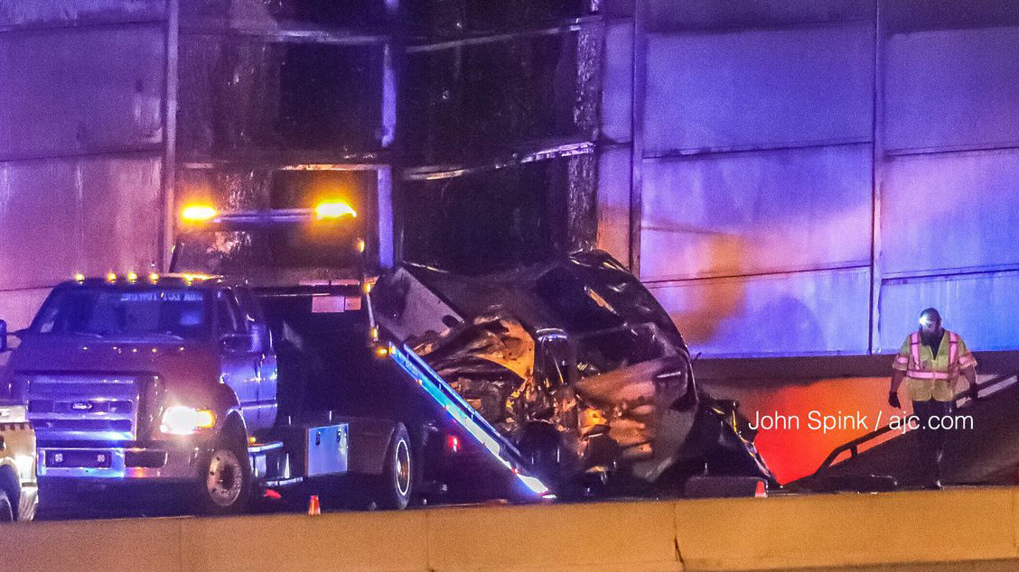 2 dead after wrong-way driver in stolen car crashes during