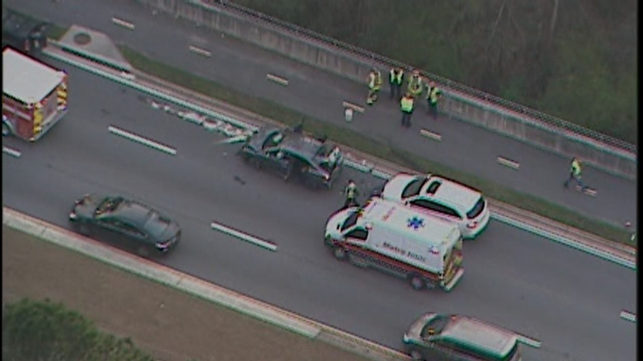 Barrett Parkway reopens after serious multi-vehicle crash   WSB-TV