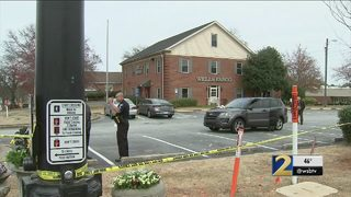 Victim, suspect identified after woman shot to death in Wells Fargo parking lot