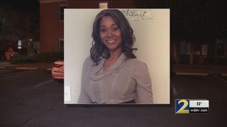 Daughters of mother shot and killed outside bank say boyfriend lured her there
