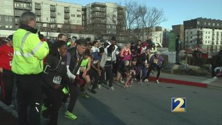 Runners prepare for Dental Dash at Dawn