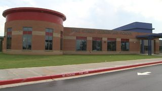 Elementary school closes after norovirus sickens 100+ students, staff