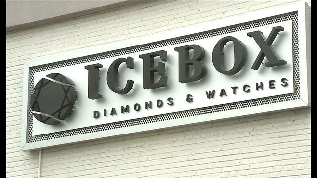 BREAKING: Sources say multiple arrests made in Icebox jewelry store robbery