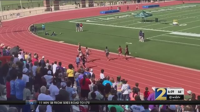 Record-breaking viral high school runner is going to UGA