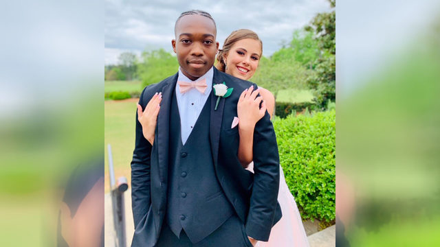 Teen who took date to prom after cancer diagnosis passes away