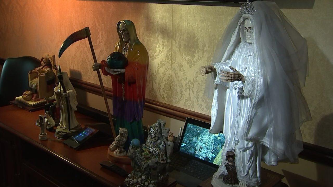 DRUG CARTELS WORSHIP SANTA MUERTE: Drug cartels worship