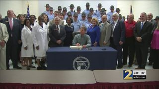 Gov. Kemp signs record budget with $3,000 raises for Georgia teachers