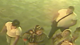 VIDEO: Thieves pretending to be tourists steal $15K in gold from metro temple