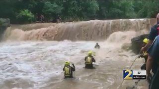 Dramatic video shows Gwinnett crews rescuing 10 children, man from river rapids