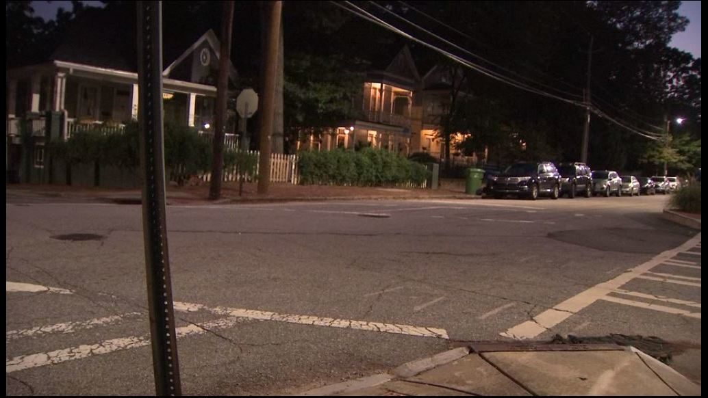 Police searching for 3 men who robbed, fired warning shot at