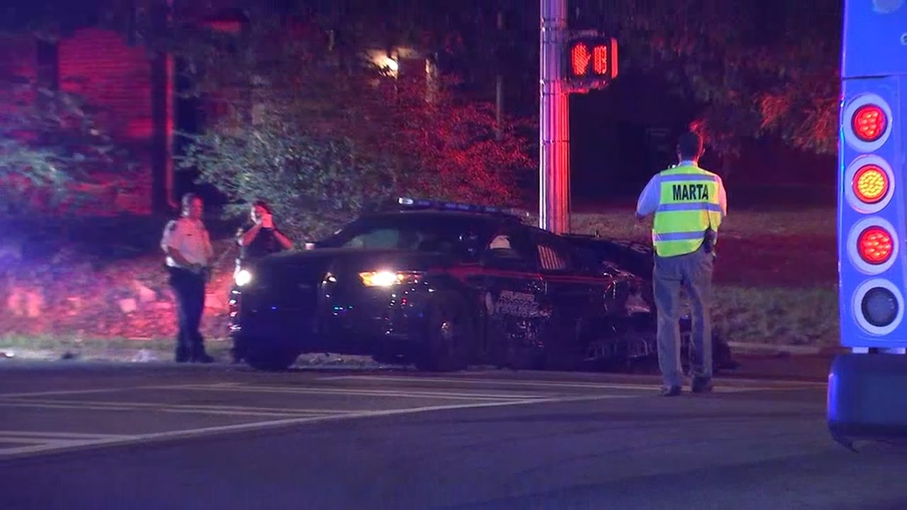 Atlanta police car collides with MARTA bus after officer runs through red light
