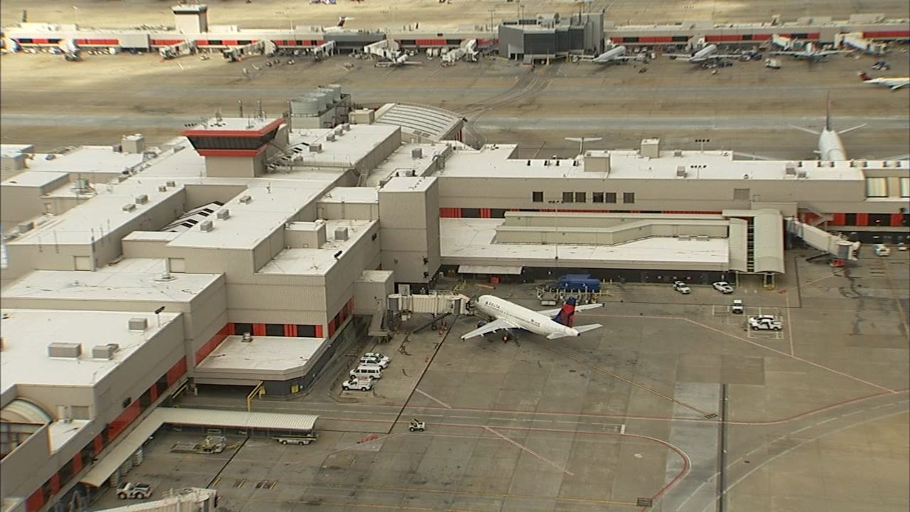 Freak accident leads to contractor's death at Atlanta airport
