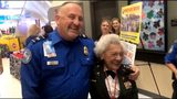 84-year-old Vietnam vet challenges TSA agent to pushup contest