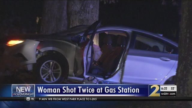 Lyft driver shot twice by customer she was picking up, police say - WSB Atlanta